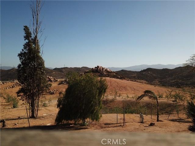 25050 El Toro Road, Perris CA: http://media.crmls.org/medias/0fba0cfe-ae26-4258-b663-d480f7698cc7.jpg