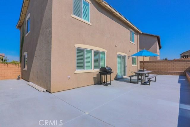 7363 Saddlewood Drive, Fontana CA: http://media.crmls.org/medias/0fbe4790-b24a-483e-9dc4-b6f393cd4c5e.jpg