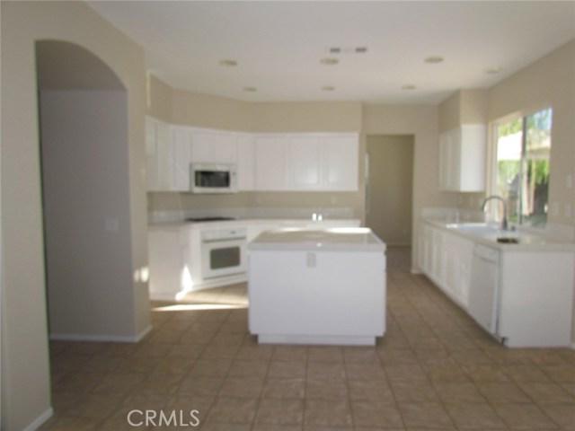 42205 57th W Street, Quartz Hill CA: http://media.crmls.org/medias/0fc509d0-5f29-4623-bb41-2bcabfa15280.jpg