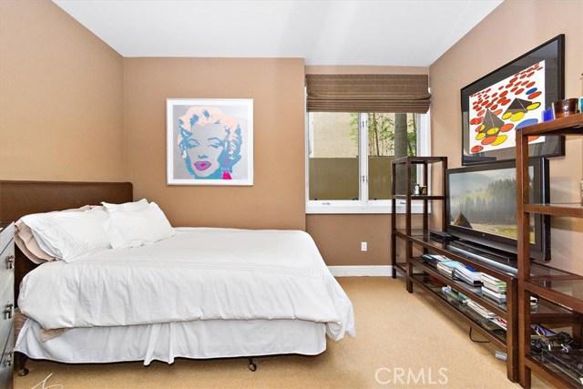 411 N Oakhurst Drive, Beverly Hills CA: http://media.crmls.org/medias/0fca1cae-7bb0-4531-b606-32893f35e1f2.jpg