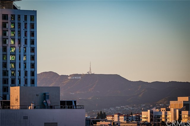 1111 S Grand Avenue, Los Angeles CA: http://media.crmls.org/medias/0fd7e2f8-40d1-43ac-90b5-b6ed44cb22e2.jpg