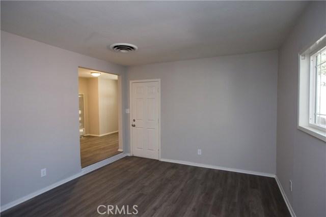 10244 Whitegate Avenue, Sunland CA: http://media.crmls.org/medias/0fe7b0d5-df7c-4b6f-ac63-8f2aa83b4e79.jpg