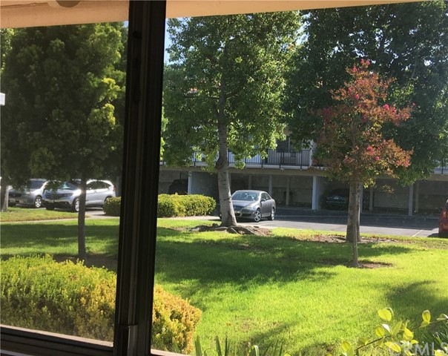 2110 Via Puerta, Laguna Woods CA: http://media.crmls.org/medias/0ff8515c-7c48-4652-bc69-229071f73672.jpg