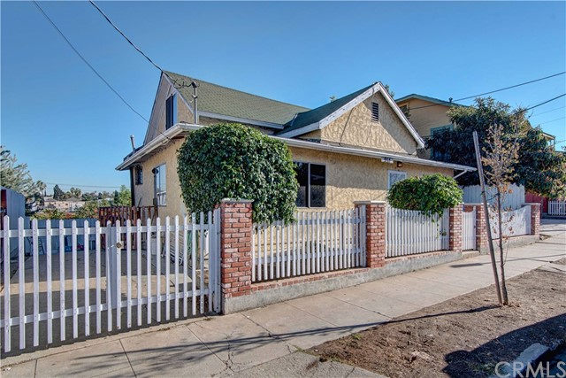 Single Family Home for Sale at 914 Rosemont Avenue Echo Park, California 90026 United States