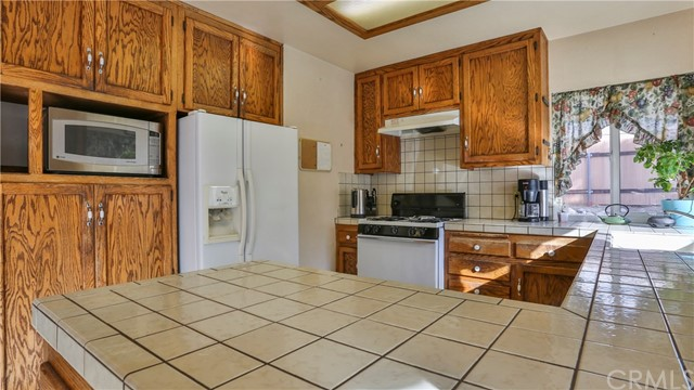 1322 Lanfair Street, Redlands CA: http://media.crmls.org/medias/0ffd07ca-0487-4581-9891-f5e8ffcb9ec8.jpg