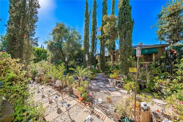 10871 Olinda Street, Sun Valley CA: http://media.crmls.org/medias/1014fac6-faa7-4b0f-b0e6-b837820908ef.jpg