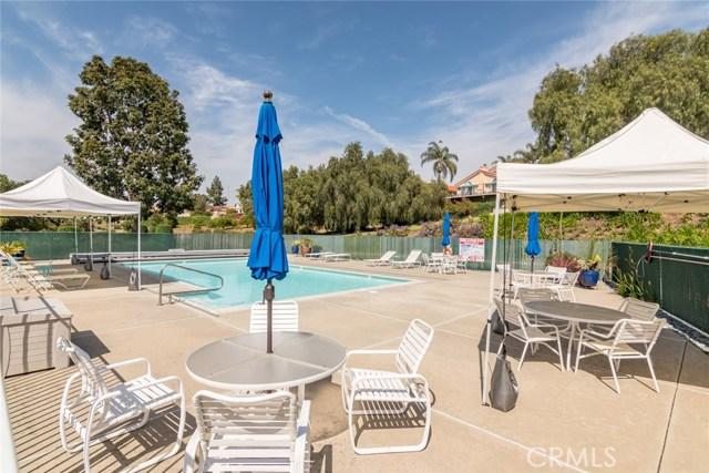 1061 Ridge Heights Drive, Fallbrook CA: http://media.crmls.org/medias/101c9fab-2d44-4eb1-81b2-9bbb70e58317.jpg
