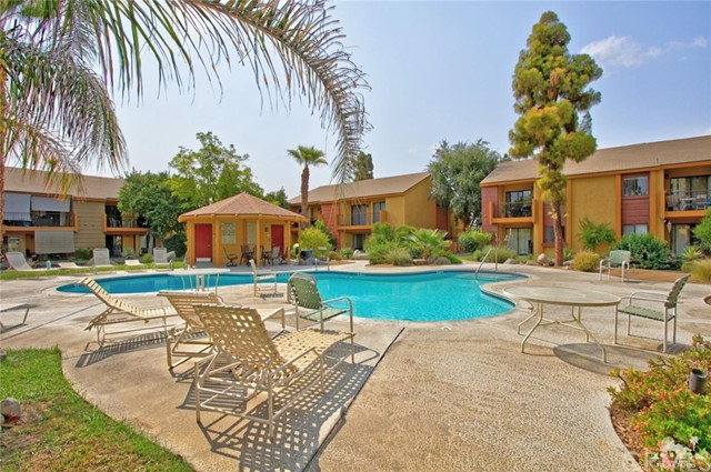 48255 Monroe Street, Indio CA: http://media.crmls.org/medias/10257aa2-739b-41ee-a41c-6a7fe4e89d0a.jpg