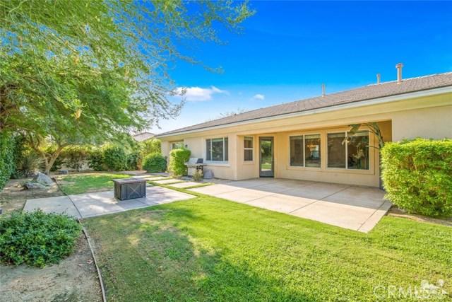 121 Brenna Lane, Palm Desert CA: http://media.crmls.org/medias/102726ae-3485-402c-8ce8-ed92fe77f12e.jpg