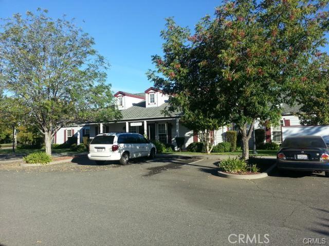 1260 East Avenue, Chico CA: http://media.crmls.org/medias/102cb68c-af59-4fba-b933-cb65dbf492b0.jpg