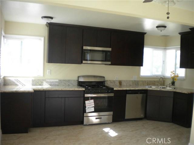 16321 Yucca Avenue, Victorville CA: http://media.crmls.org/medias/10331ff6-5b96-4d60-9256-117fc9a055ea.jpg