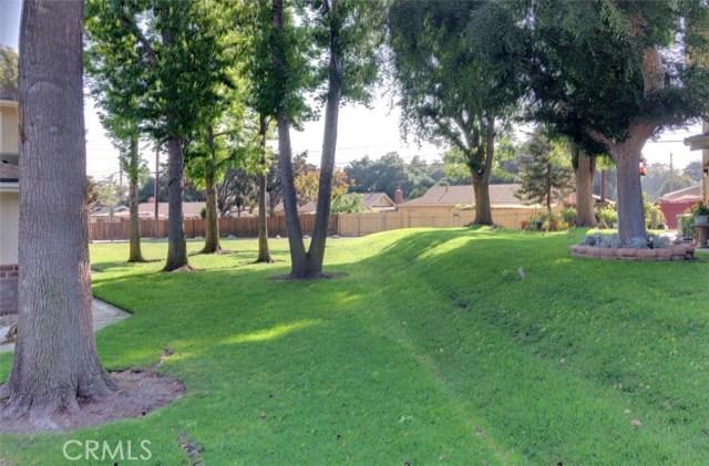 1300 Primrose Street, Upland CA: http://media.crmls.org/medias/1037a1ec-1677-49c4-9737-0e2fb11650fd.jpg