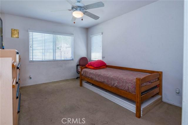 16289 Twilight Circle, Riverside CA: http://media.crmls.org/medias/106000e2-4841-48da-ae0d-0624c87cacfe.jpg