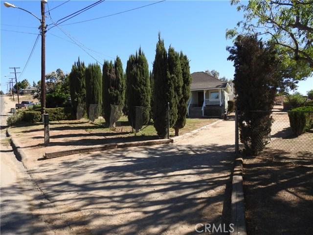 5343 Norwood Avenue, Riverside CA: http://media.crmls.org/medias/10676fc5-278e-4f73-aa7a-2e6804beff44.jpg