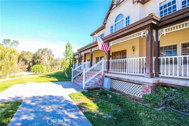 独户住宅 为 销售 在 15142 Sierra Highway Canyon Country, 加利福尼亚州 91390 美国