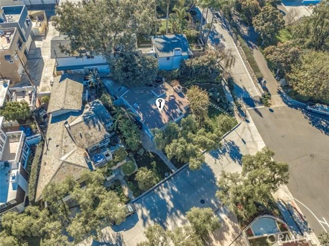 2201 Waterfront Drive, Corona del Mar CA: http://media.crmls.org/medias/106c8908-a489-4bc1-b633-d5ad8cad54ab.jpg