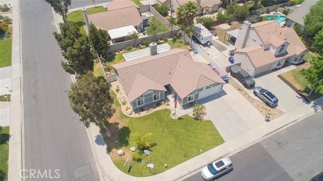 1145 Wildflower Street, Rialto CA: http://media.crmls.org/medias/10700f8a-18f0-4b17-bcb2-6156628b5685.jpg