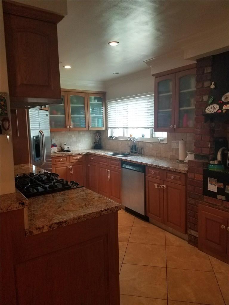 2243 E South Redwood Dr, Anaheim, CA 92806 Photo 5