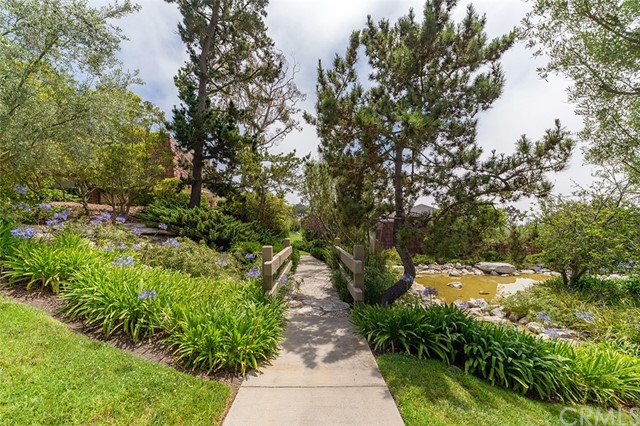 82 Cresta Verde Drive, Rolling Hills Estates CA: http://media.crmls.org/medias/108e3b19-133b-4f0d-a03d-2b0670a9dd6c.jpg