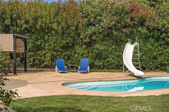 8448 Paradise Lagoon Drive, Lucerne CA: http://media.crmls.org/medias/10c48df2-8d21-4797-bcab-3a0830b0271b.jpg
