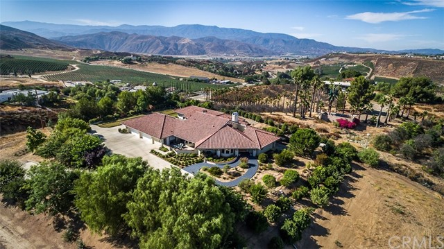 38600  De Portola Road, Temecula, California