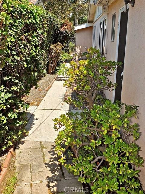 12661 Martha Ann Drive, Rossmoor CA: http://media.crmls.org/medias/10db2023-08c1-48f1-9727-e7cd0294eedd.jpg