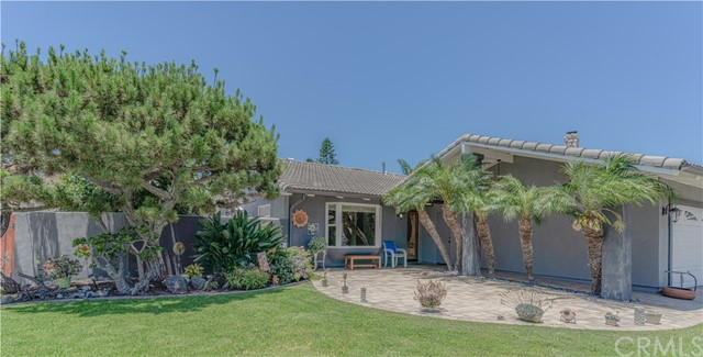 Photo of 17153 Los Robles Circle, Fountain Valley, CA 92708