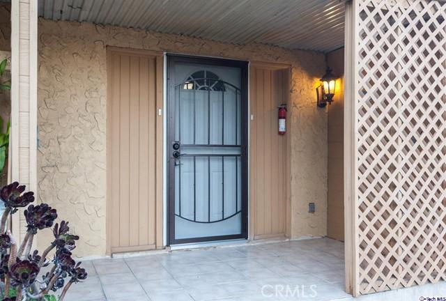 661 Ivy Street, Glendale CA: http://media.crmls.org/medias/10f1ce81-c85e-4caf-820e-8cab86ce2126.jpg
