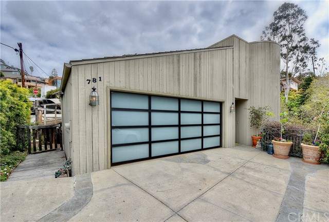 781 Summit Drive, Laguna Beach, CA 92651