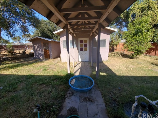 1512 Home Avenue, San Bernardino CA: http://media.crmls.org/medias/10f68a87-288e-4572-aaba-3f8ea6e90046.jpg