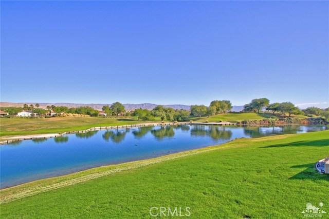 104 Loch Lomond Road, Rancho Mirage CA: http://media.crmls.org/medias/10fc906d-04bd-47b7-a0f8-de2304dd0bd2.jpg