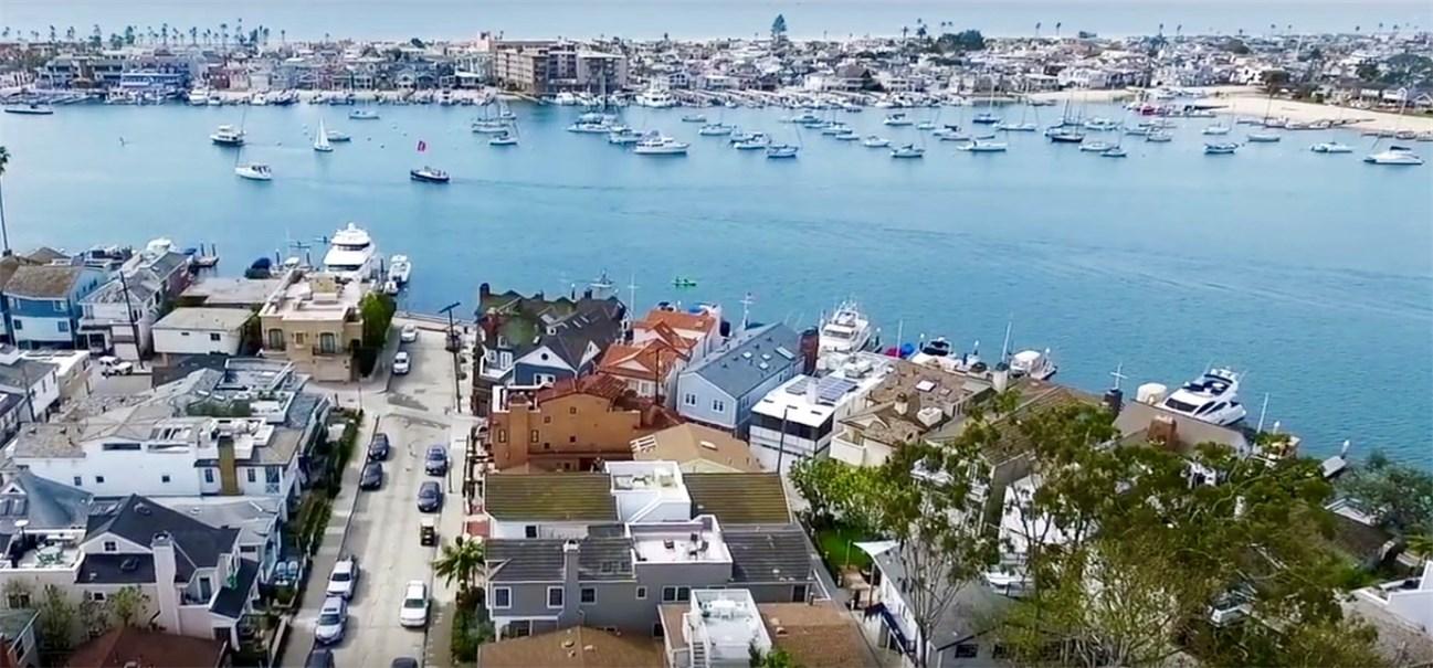 Single Family Home for Sale at 202 Emerald Avenue Newport Beach, California 92662 United States