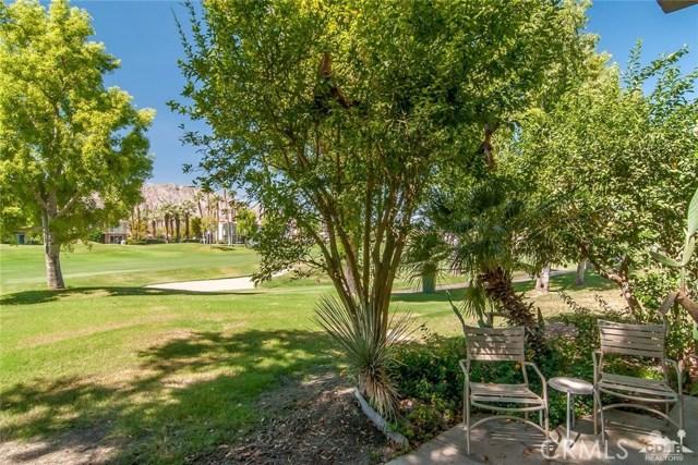 55371 Winged foot, La Quinta CA: http://media.crmls.org/medias/1120d2e1-3975-4fc8-960e-44d53bc739bc.jpg