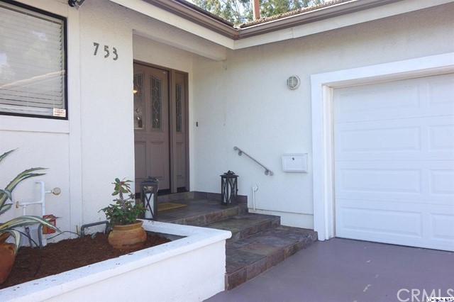 Single Family Home for Rent at 753 Foxkirk Road Glendale, California 91206 United States
