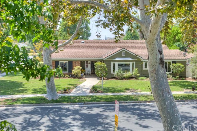 Single Family Home for Sale at 1140 West Riviera St 1140 Riviera Santa Ana, California 92706 United States