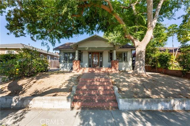 3707 Cerritos Avenue, Long Beach CA: http://media.crmls.org/medias/1136072c-5720-49e0-b7d5-a89969d52452.jpg