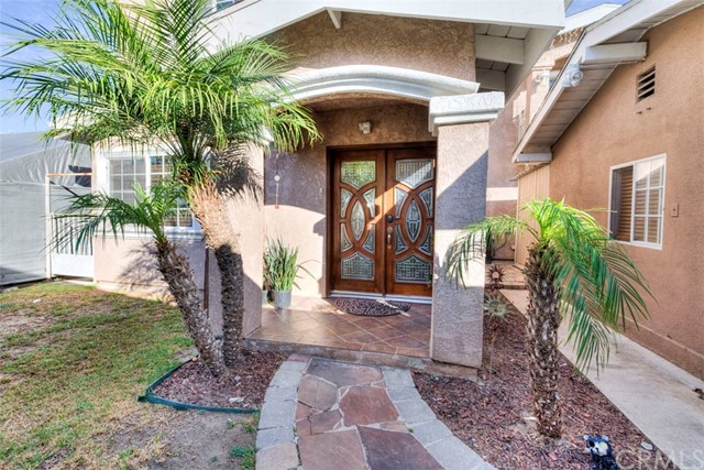 Residential Income for Sale at 1514 Walnut Avenue 1514 Walnut Avenue Long Beach, California 90813 United States