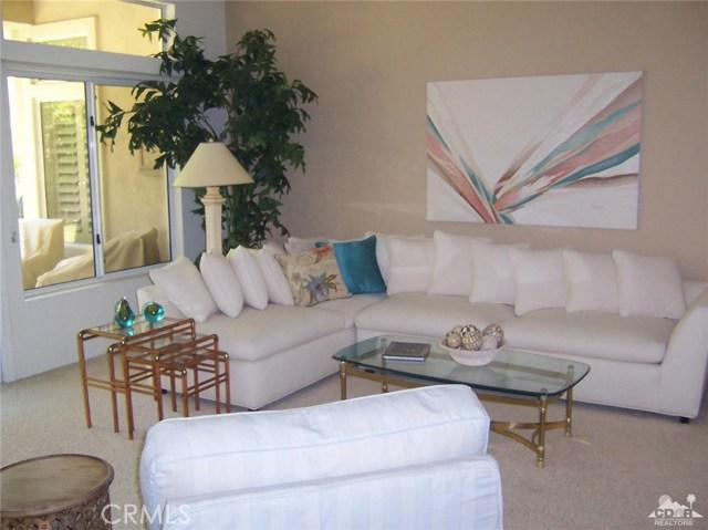 78591 Purple Sagebrush Avenue, Palm Desert CA: http://media.crmls.org/medias/116db572-9dd6-4287-a63a-fa970914c6f0.jpg