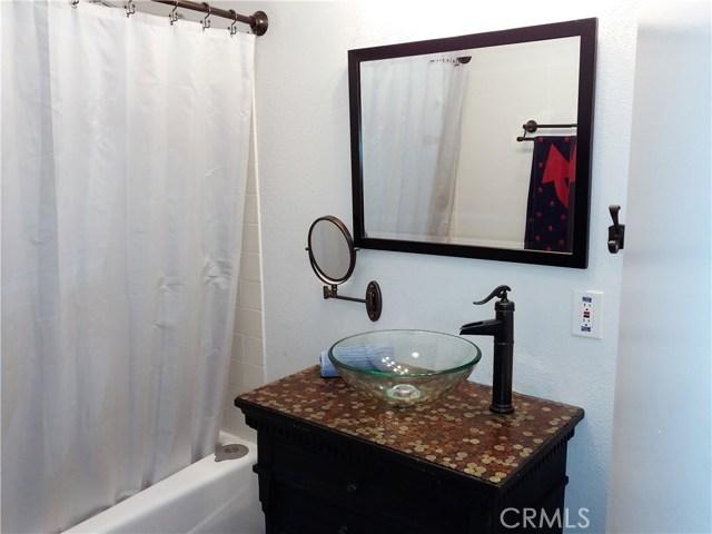386 Deborah Court, Upland CA: http://media.crmls.org/medias/116f1fd9-ca60-4c97-bbb7-3d035014003a.jpg