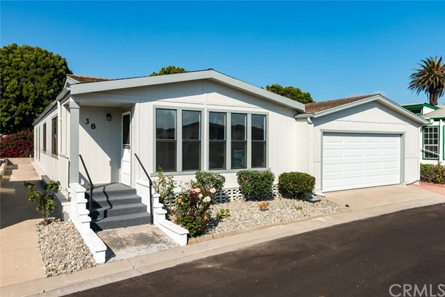 38 Poinsettia Gardens Dr, Ventura, CA 93004 Photo