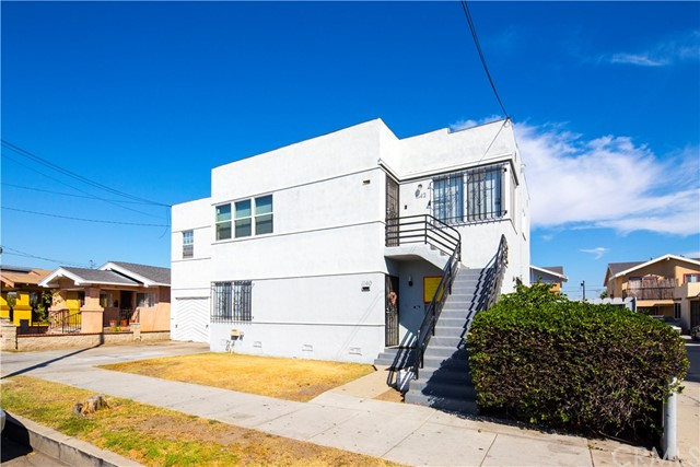 1140 Orange Avenue, Long Beach CA: http://media.crmls.org/medias/117dc5da-fb1b-473f-b713-23f5d6f7838d.jpg