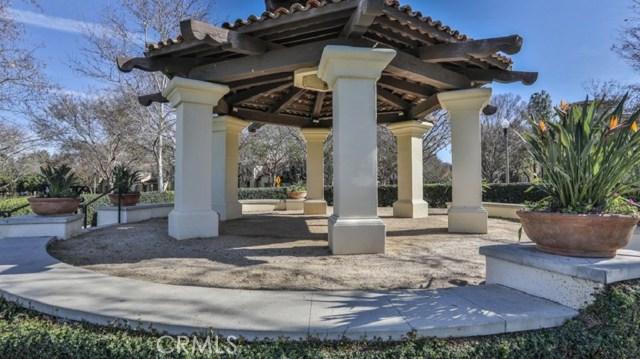 29 Flowerbud, Irvine CA: http://media.crmls.org/medias/1181894f-3f3f-4e92-a924-25c8f706a2e7.jpg