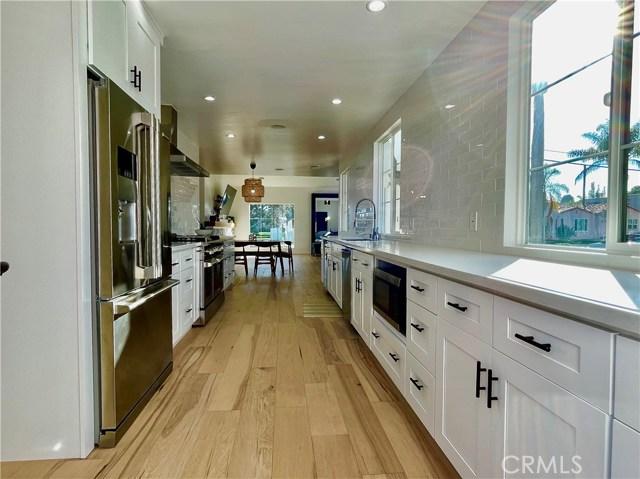 604 Park Avenue, Long Beach CA: http://media.crmls.org/medias/118b2765-d406-477f-8c4e-db16b85acc9c.jpg