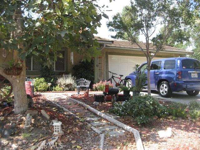 33272 Camelot Drive, Yucaipa CA: http://media.crmls.org/medias/11911505-963a-4ce4-8d76-ca93f29c4f20.jpg