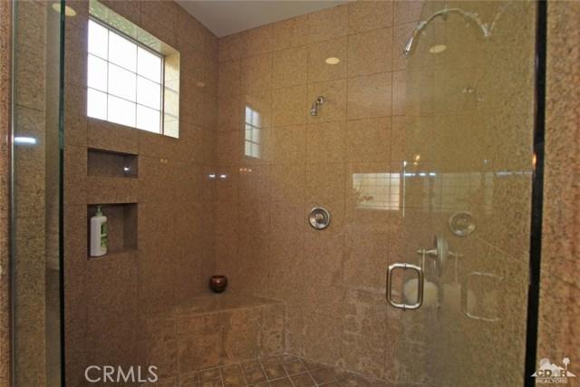 46180 Cypress Estates Court, Palm Desert CA: http://media.crmls.org/medias/11919452-483e-4d64-a3a1-bd13d2ca890c.jpg