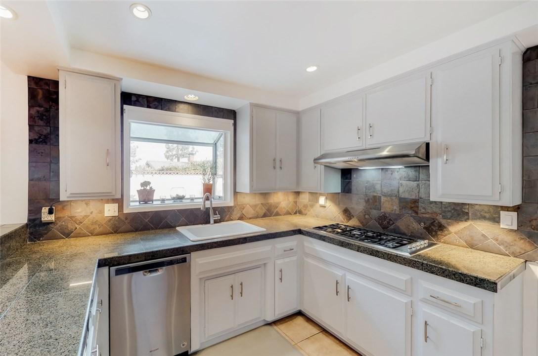 470 Linares Avenue, Long Beach, CA 90803 Photo 8