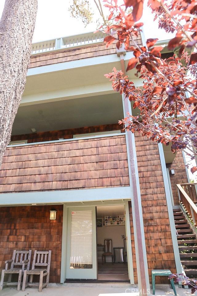 1983 Oxford Avenue, Cambria CA: http://media.crmls.org/medias/11abd5d8-1fe4-44f0-8969-39d4ce348d8c.jpg