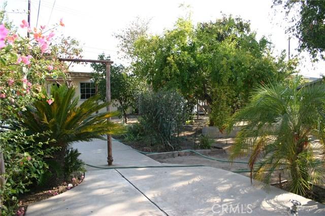 15808 Victoria Avenue, La Puente CA: http://media.crmls.org/medias/11b1e0c9-d473-4c83-b61f-52532d2749bc.jpg