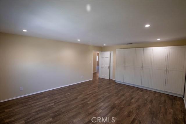 10230 Brookshire Avenue, Downey CA: http://media.crmls.org/medias/11b2f9d0-487a-41b6-a6b9-705c6de47d86.jpg
