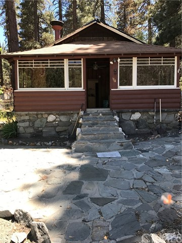 Single Family Home for Rent at 1149 Apple Avenue Wrightwood, California 92397 United States